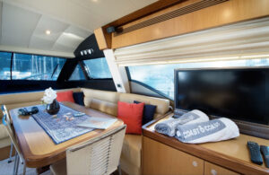 Zona pranzo yacht